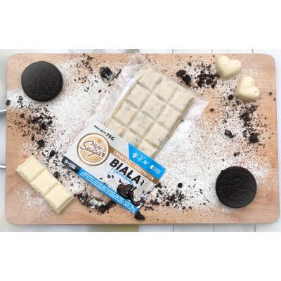 Biała czekolada z ciasteczkami